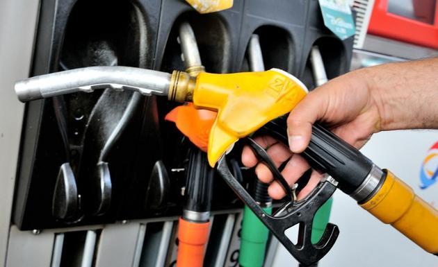 في شوارع لبنان.. هذا ما سيحدث عند ارتفاع صفيحة البنزين إلى 30 ألف ليرة