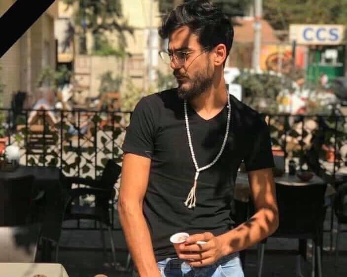 استشهاد الشاب حسين العطار الذي تعرض للقنص صباح اليوم على طريق المطار