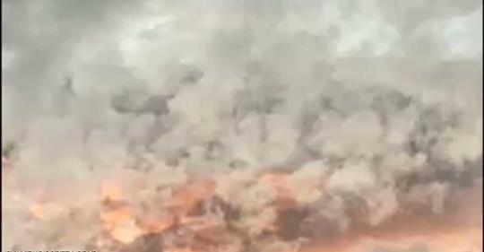 """بالفيديو/ السما """"ولعانة"""" بالهند..ظاهرة جوية نادرة تحير السكان"""