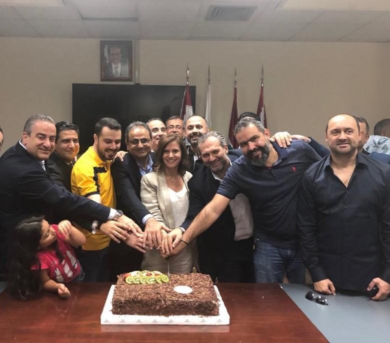 بالصور/وزيرة الطاقة ندى بستاني تكرم آباء الوزارة!
