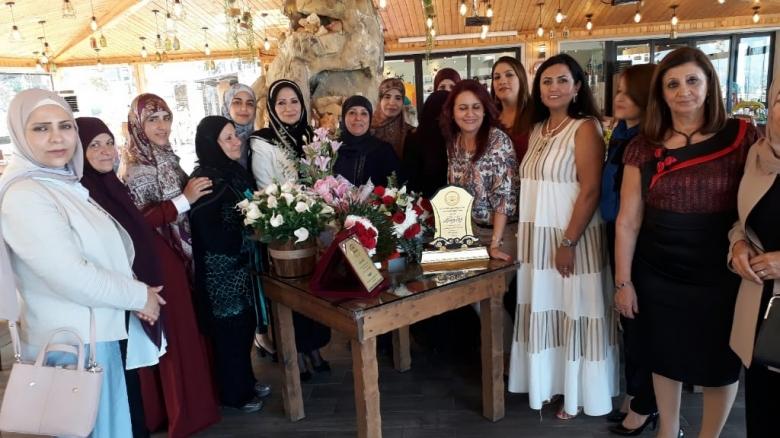 بالصور/ حفل تكريمي لمديرة مدرسة بنت جبيل الرسمية الثانية المربية الحاجة فاطمة عناني