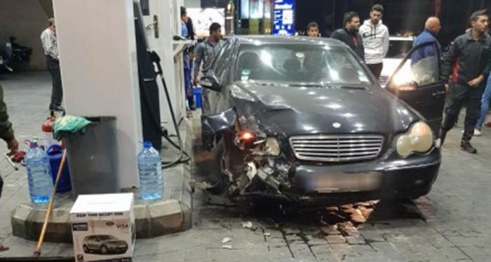 بالفيديو: سيارة تجتاح محطة لبيع الوقود في صيدا...والمنطقة تنجو من كارثة!