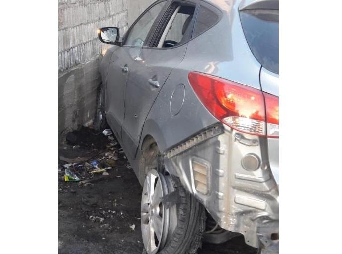 """بعد عملية مطاردة وإطلاق نار وفرار.. الأجهزة الامنية تمكنت من توقيف أحد أفراد العصابة الـ""""متخصّصة"""" في سرقة سيارات هيونداي تاكسون"""