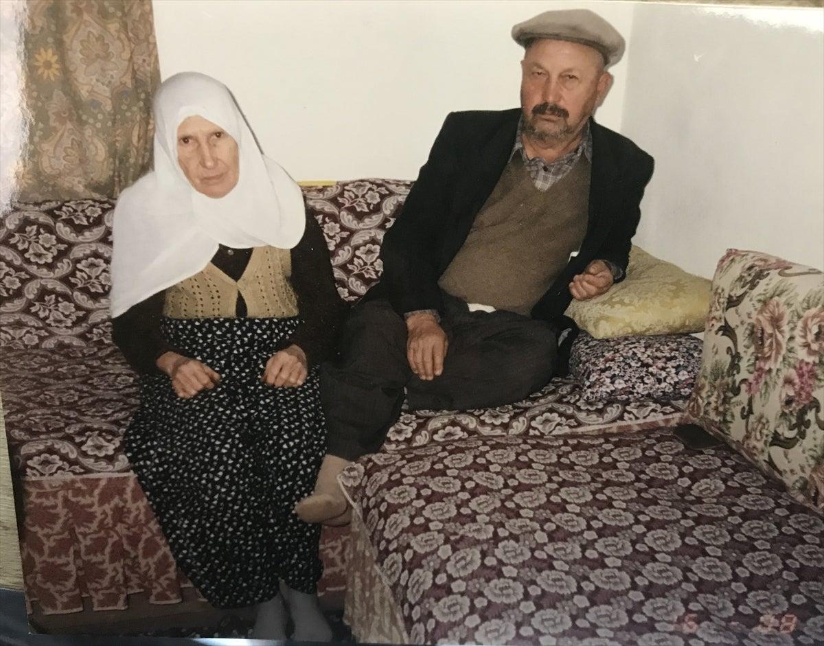 بعد 70 عامًا من الزواج و11 ولداً...راضية وعبدالرحمن توفيا بفارق 26 دقيقة بينهما!