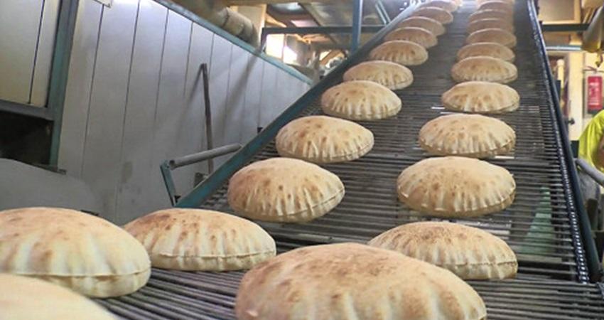 الخبز بات متوفرا في بنت جبيل والبلدية تطلب من الأهالي عدم شراء كميات كبيرة وتخزينها