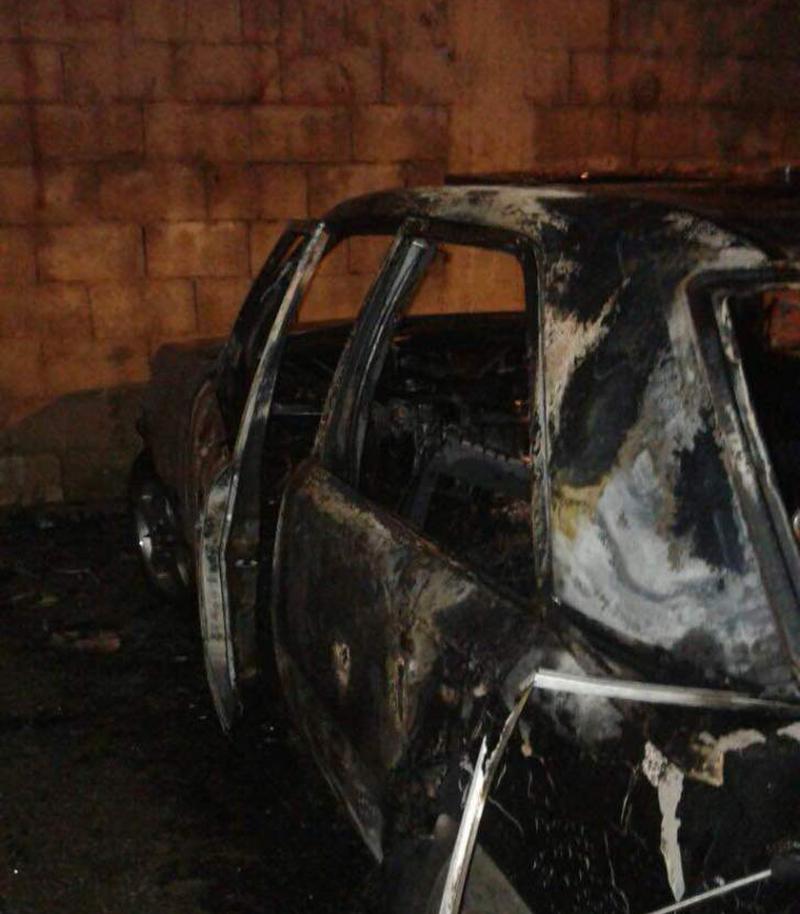 لأسباب وخلافات شخصية أضرم النار في سيارة لإحداهن ببلدة عين قانا...أمن الدولة أوقفه