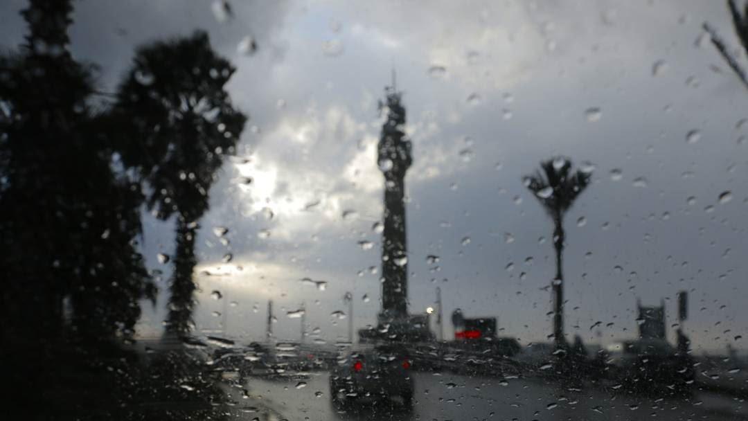 عدم الإستقرار لا يزال يسيطر على حالة الطقس في لبنان...أمطارٌ في الداخل وحرّ على الساحل والطوفان مقبل يوم الخميس