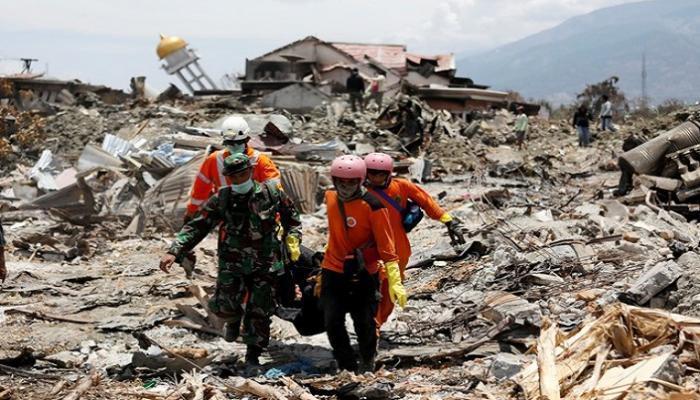 تداعيات الكارثة في اندونيسيا...150 ألف شخص تحت الأنقاض والخسائر قدرت بـ658 مليون دولار !