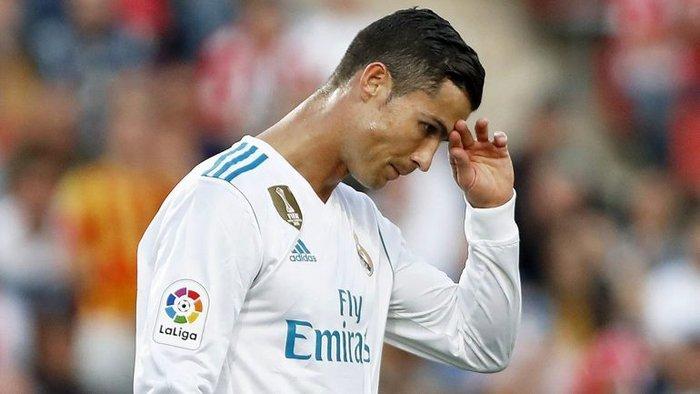 """رسمياً.. """"كريستيانو رونالدو"""" قرر الرحيل عن فريق ريال مدريد!"""