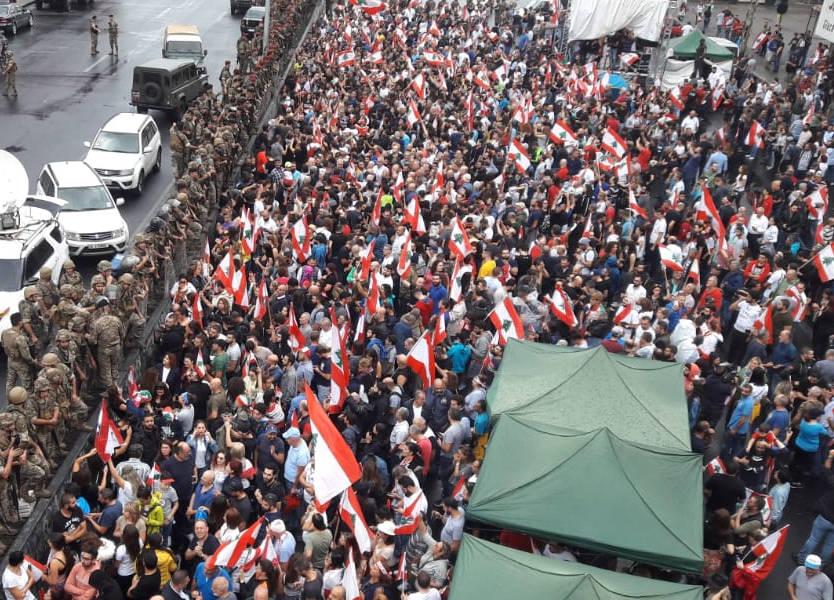 في اليوم الثامن للتظاهرات...هذه هي حال الطرقات في لبنان