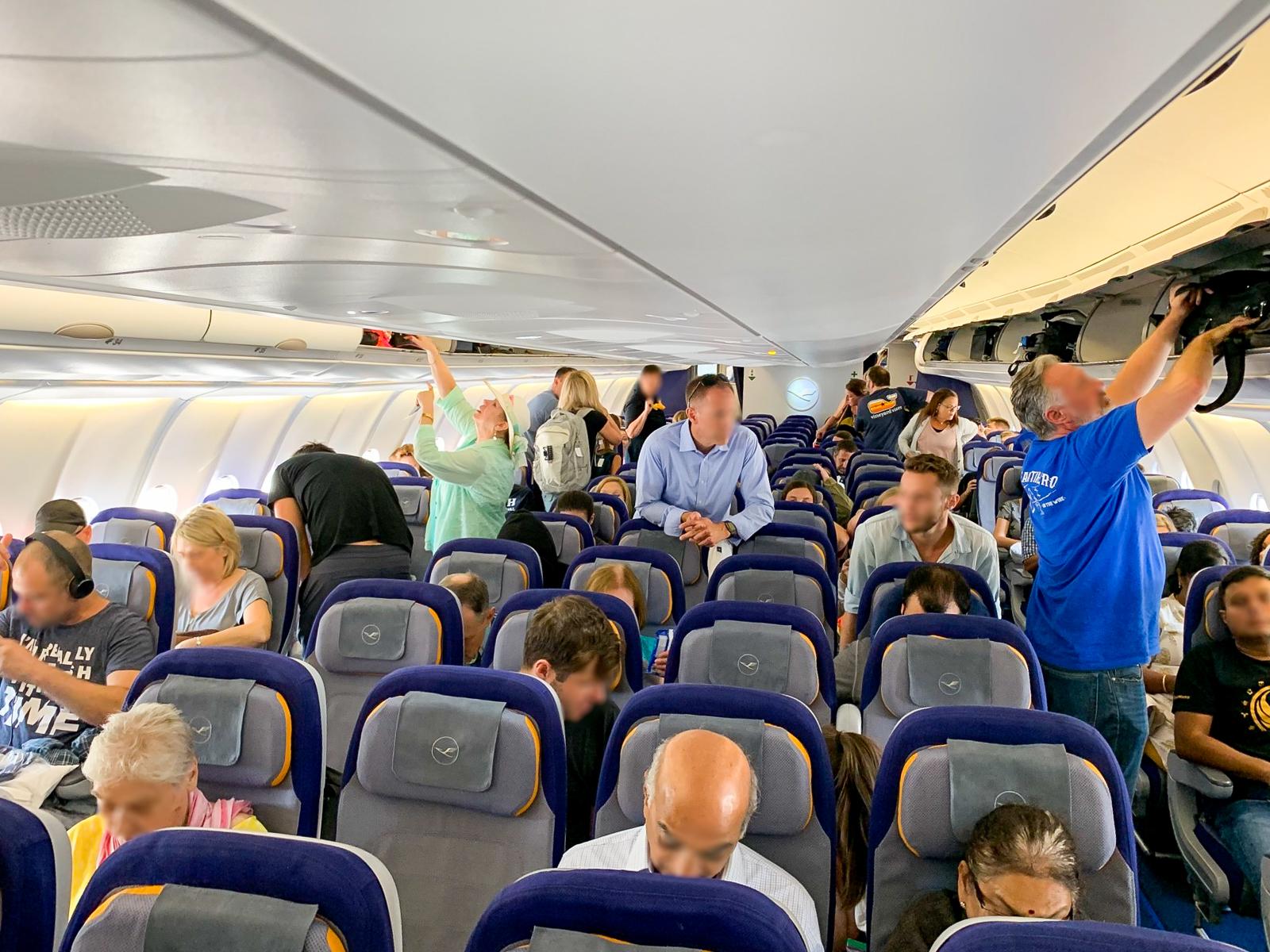 التاريخ الصادم.. متى يعود السفر بالطائرات إلى طبيعته؟