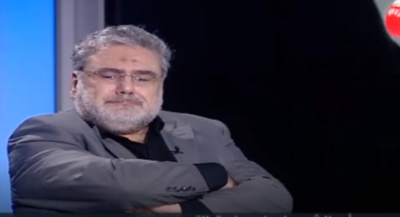 """بالفيديو / النائب نواف الموسوي مُتحدثاً عن الحاجة الراحلة """"ام عماد"""" ..بكى وقال """" هي زينبنا """""""