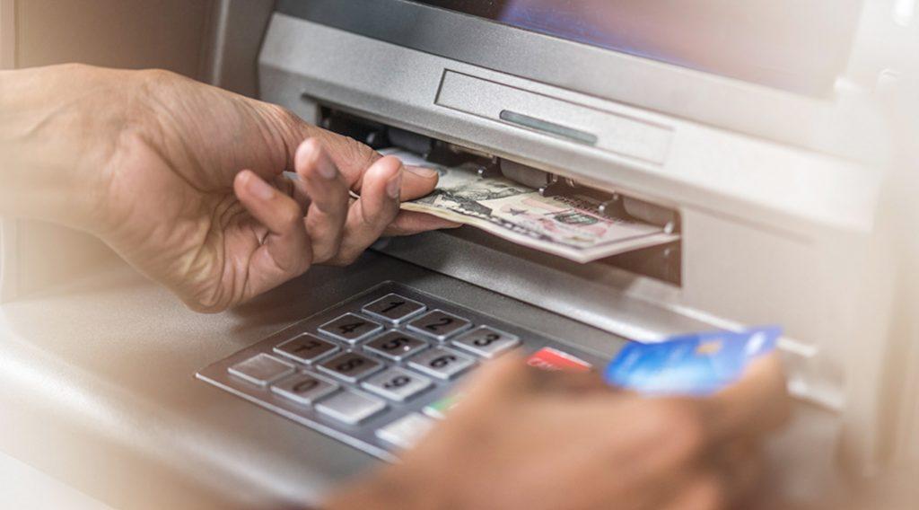 5 دولارات على كلّ 1000 دولار يتمّ سحبها من أي حساب مصرفي...رسوم جديدة تفرضها المصارف!
