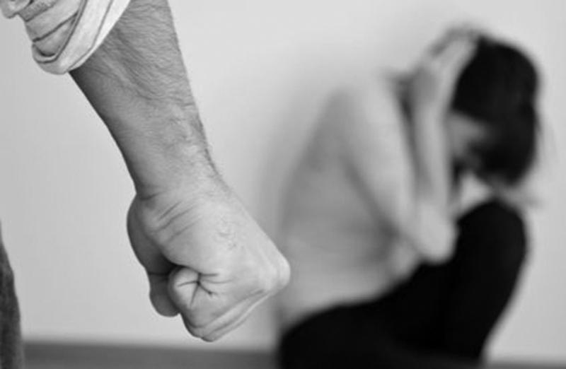 في صيدا..طفلة أدخلت الى العناية المركزة بعد تعرضها للضرب المبرح والوحشي من قبل والديها !
