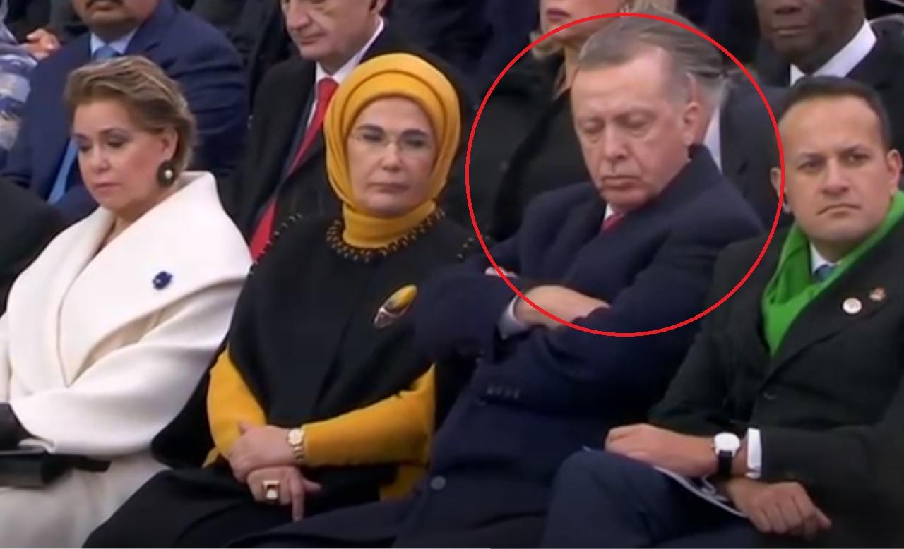 بالفيديو/ ليست المرة الأولى...  أردوغان يستسلم للنوم أمام زعماء العالم خلال احتفال مئوية انتهاء الحرب العالمية الأولى