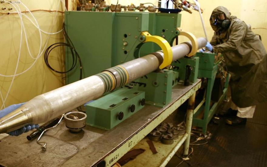 سبوتنيك الروسية: خبراء فرنسيون يعدلون صواريخ النصرة في إدلب لتذخيرها بالمواد الكيميائية السامة