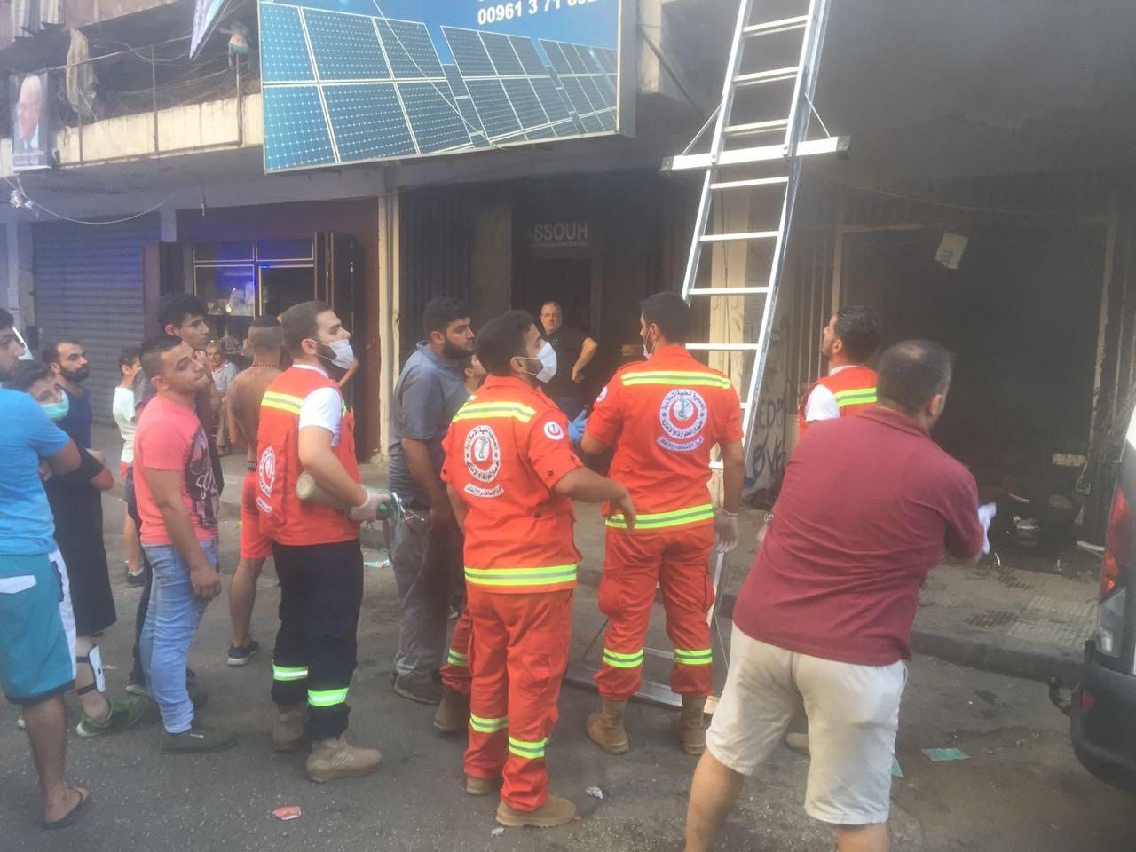 إحتراق منور إحدى البنايات في طرابلس تسبب بأكثر من 15 حالة اختناق