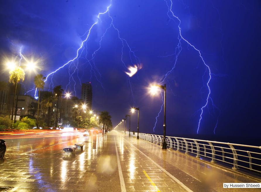 تعتبر العاصفة الاقوى هذا العام...وهذه التفاصيل