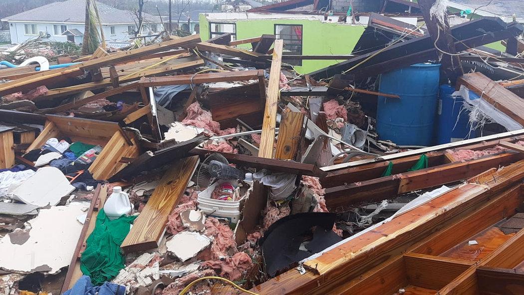 """الإعصار المدمّر """"دوريان"""" يقترب من فلوريدا وأوامر بإجلاء أكثر من مليون شخص"""