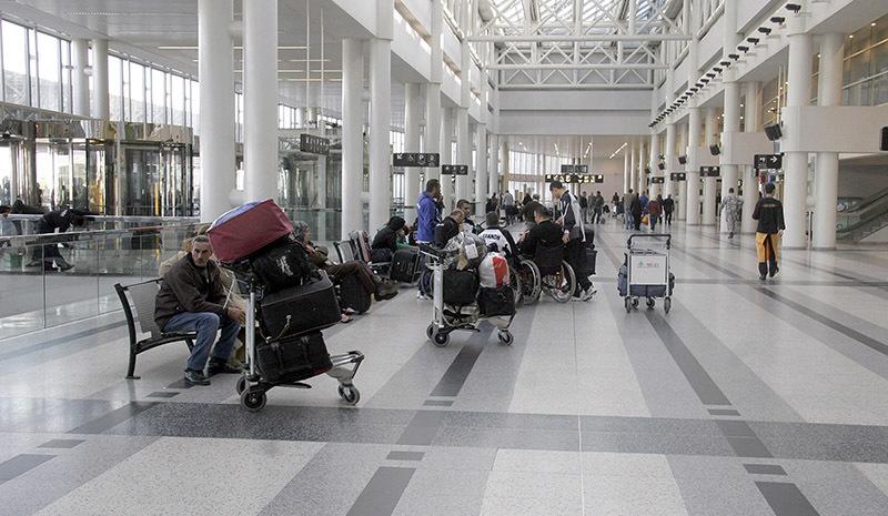 حاول السفر إلى ارمينيا وبحوزته حوالى 60 غراما من حشيشة الكيف موضبة في حقيبته بطريقة مبتكرة غير تقليدية