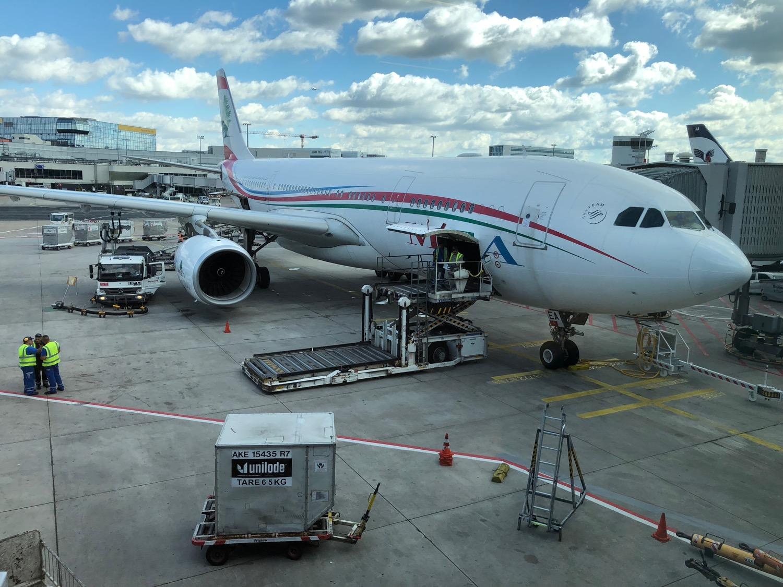رئيس مجلس إدارة طيران الشرق الأوسط يوضح ما حصل مع طائرة الـMEA في مطار شارل ديغول