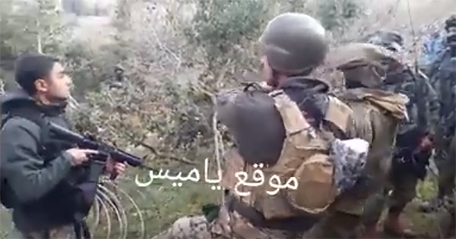 بالفيديو / مشهد اثناء منع الجيش اللبناني جنود العدو من وضع أسلاك شائكة على الخط الأزرق في ميس الجبل بغياب فريق جغرافي لبناني