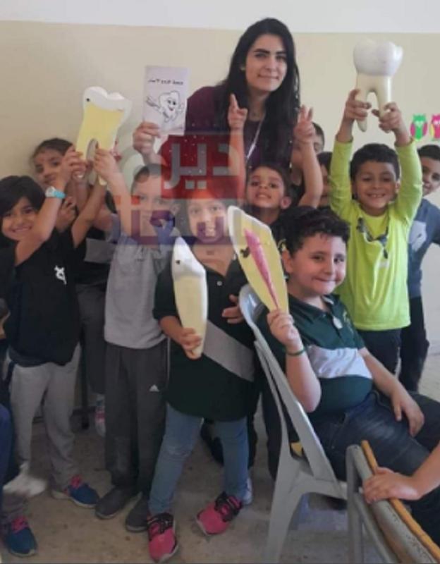 الصورة الأخيرة للتلاميذ مع معلمتهم قبل رحلة الموت ووزير التربية الأردني يوضح: المدرسة لم تحصل على تصريح لرحلة للبحر الميت وقد خالفت خط السير وشروط السلامة