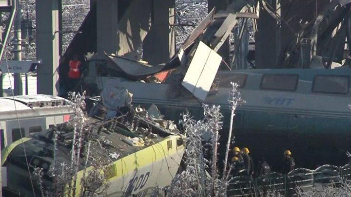 التحقيقات كشفت السبب وراء كارثة اصطدام القطار في تركيا...عامل في المحطة نسي تحويل القطار الى سكته الصحيحة ما أدّى إلى مقتل 9 أشخاص وإصابة 47 آخرين !