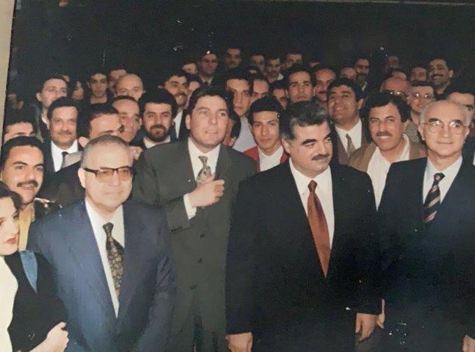 """بالصورة/ أول اجتماع للفريق المؤسس لـ""""تلفزيون المستقبل"""" مع الشهيد رفيق الحريري قبل أن يصبح رئيسا للحكومة"""