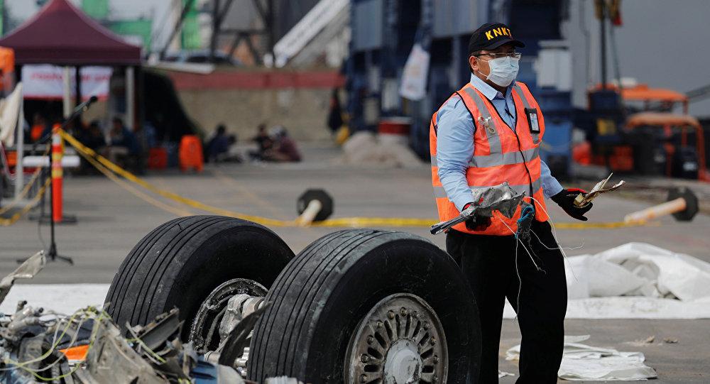 الكشف عن مفاجأة بشأن الطائرة الإندونيسية المنكوبة التي سقطت في البحر...مؤشر السرعة الجوية كان تالفاً خلال آخر 4 رحلات للطائرة