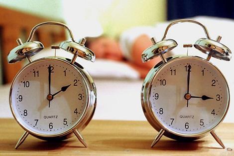 تذكير بوجوب تأخير الساعة اعتباراً من منتصف هذه الليلة