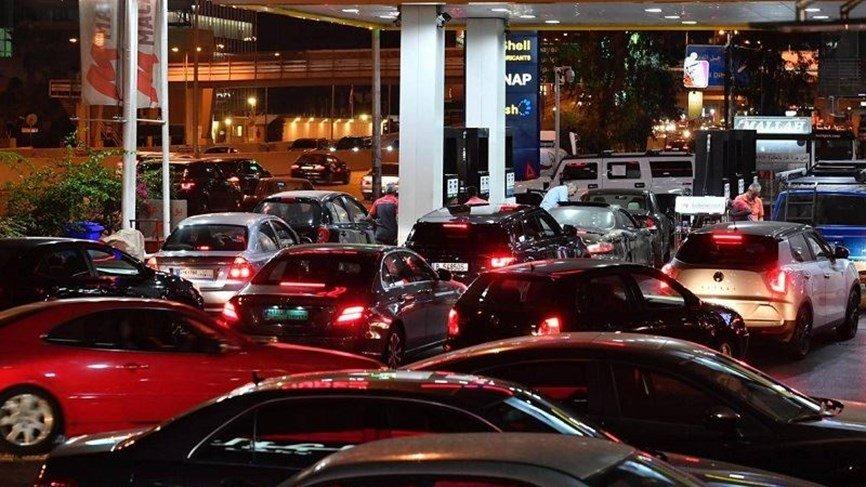 زحمة امام عدد من محطات الوقود في صيدا واقفال بعضها لنفاد المخزون