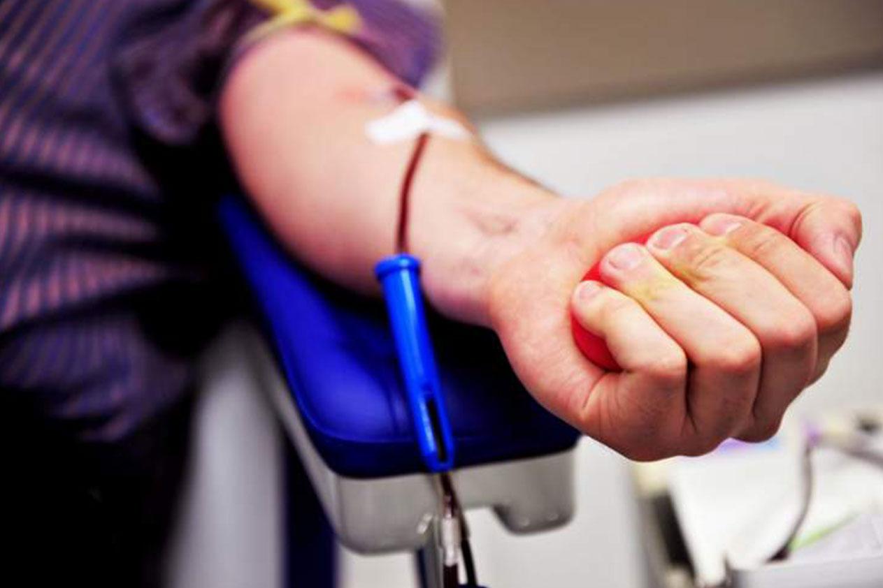 مريض بحاجة  الى 4 وحدات دم من فئة AB- في مستشفى أوتيل ديو...للتبرع: 03632456