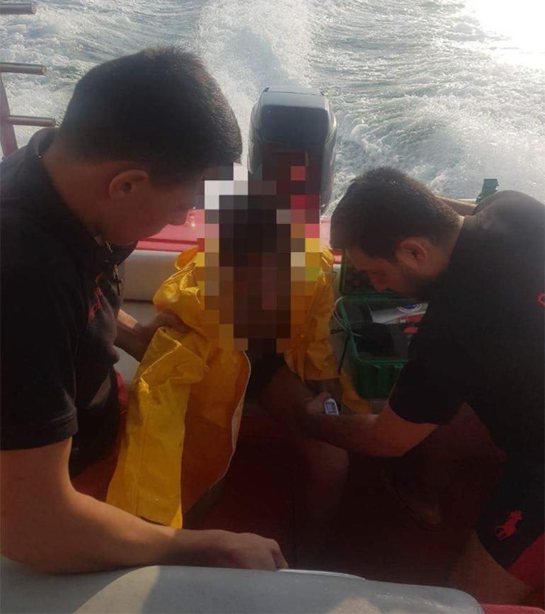 جرفته الأمواج العالية إلى عمق المياه...الدفاع المدني ينقذ شاباً سورياً من الغرق على شاطئ زوق مصبح