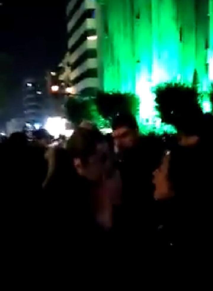 بالفيديو/ اشكال بين مراسلة الجديد راشيل كرم ومواطنة من الطريق الجديدة: مش شايليتك من ارضك!