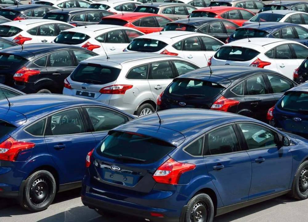أكثر من 1000 سيارة بلا جمرك في لبنان...تزايد أعمال السفارات وطلبات بالجملة لزيادة عدد السيارات التابعة لها
