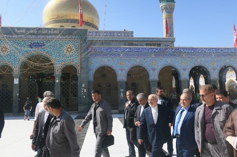 """وزير الخارجية الايراني """"محمد ظريف"""" يزور مرقد السيدة زينب فور وصوله الى العاصمة السورية دمشق"""