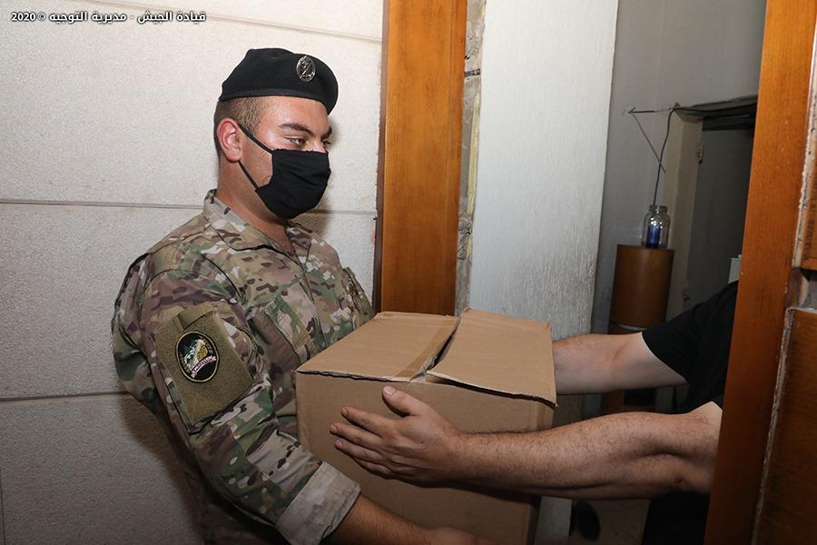 الجيش: وحداتنا قامت بتوزيع حصص غذائية على حوالى ثلاثة آلاف وخمسين عائلة من متضرري انفجار المرفأ