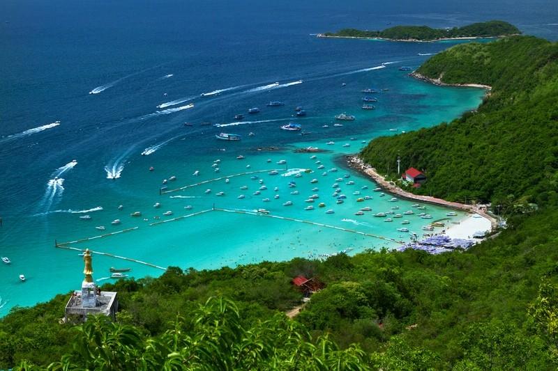 جزيرة ساموا الأميركية أول دولة على الكوكب تحتفل بالعام الجديد...غيرت منطقتها الزمنية فتم محو يوم 30 كانون الأول من تقويمها !