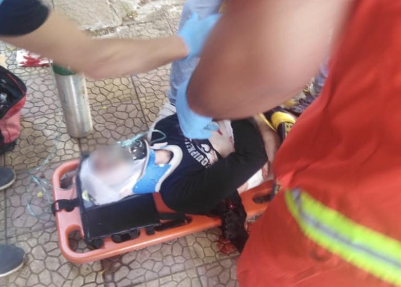 دخل منزله في ابي سمراء فصُدم بوجود شاب سوري الجنسية برفقة زوجته...طعنهما وسلّم نفسه، فيما نقلا إلى المستشفى لتلقي العلاج