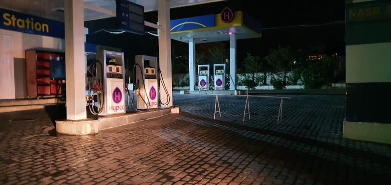 اقفال عدد من المحطات في صيدا لنفاد مخزونها من البنزين