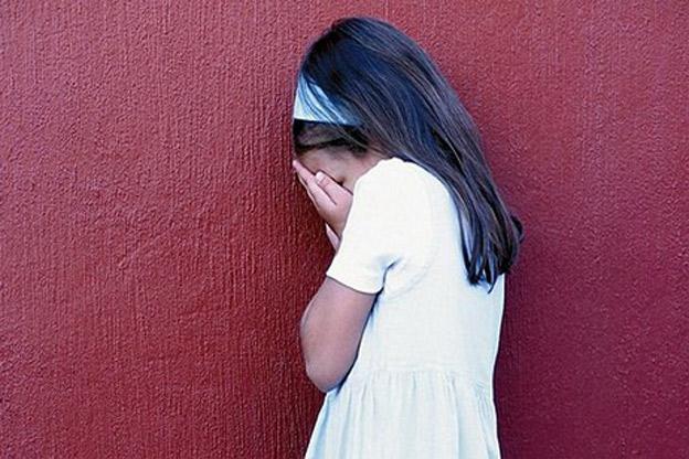 اغتصب فتاتين قاصرتين لا يتجاوز عمرهما العشر سنوات في منزله في مخيم صبرا وكمين محكم لتوقيفه على طريق المطار
