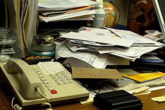 نائب لديه أكثر من 2600 سيرة ذاتية لعاطلين عن العمل في أدراج مكتبه ولم يستطع تأمين وظيفة لواحد منهم