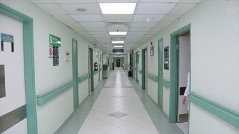 توضيح من المستشفى الإسلامي في طرابلس عن حادثة الطفل الذي سقط من الطبقة الثالثة: كان بحاجة لدخول قسم انعاش الأطفال غير المتوافر لدينا