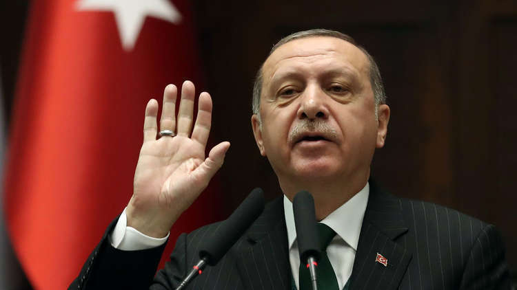 """تركيا """"تطير"""" نحو مصر لتحسين الاقتصاد"""