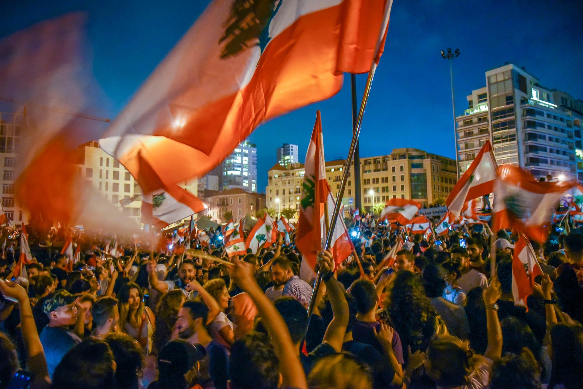 لحظات حاسمة امام لبنان