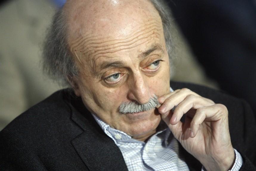 جنبلاط: للتوضيح فانني لا املك محطة بنزين في كل لبنان...سنلجأ الى القضاء!