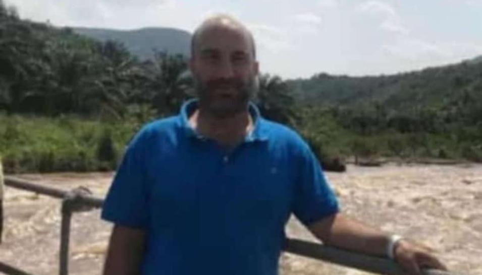 بعد محاولات عدة لإنقاذه... الحاج حسين موسى حيدر (ابو موسى) يفارق الحياة بعد غرقه عند شاطئ رأس العين - صور
