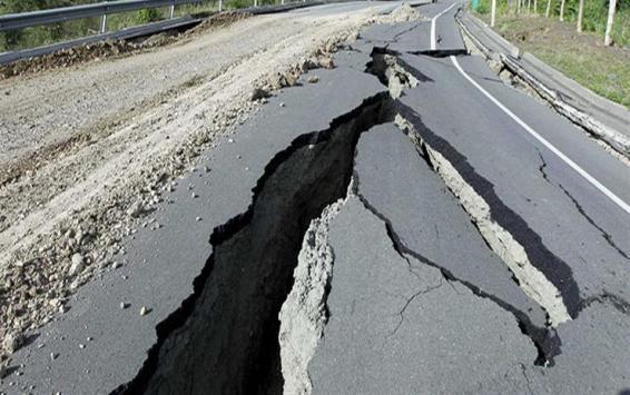 زلزال بقوة 7.1 درجة يضرب شرق إندونيسيا وتحذير من تسونامي!