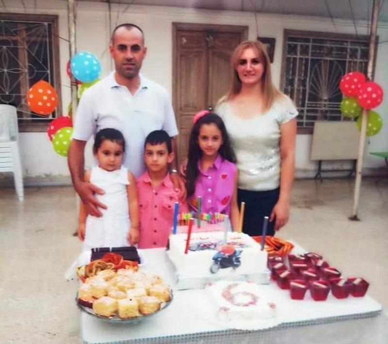 الأم وأطفالها الثلاثة قضوا معاً في سوريا جراء استهداف مدينة محردة من قبل الإرهابيين